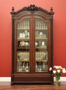kabinet antik eropa pemanis ruangan anda