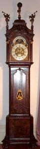 jam antik berdiri