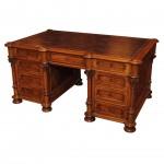 meja kerja antik nan eksentrik perancis